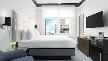 Economy Petite, 1 Queen Bed