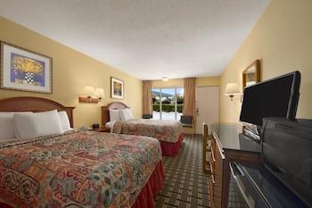 Hotel - Rose Garden Inn & Suites