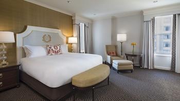 Suite, 1 Bedroom, View (Oval Suite)