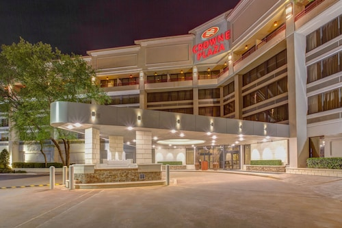 . Crowne Plaza Baton Rouge, an IHG Hotel