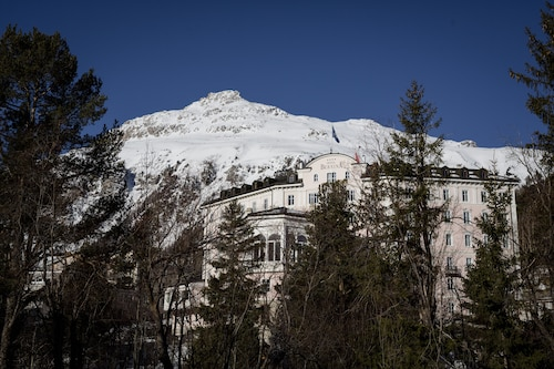 __{offers.Best_flights}__ Hotel Bernina 1865