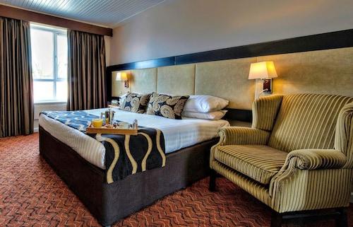 . Wellington Park Hotel