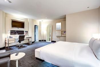 Wow Room, Suite, 1 Bedroom, Courtyard View