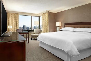 Room, 1 King Bed, Non Smoking, Tower