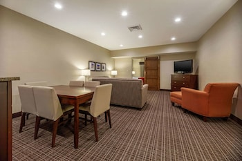 Suite, Multiple Beds, Non Smoking (Upgrade)