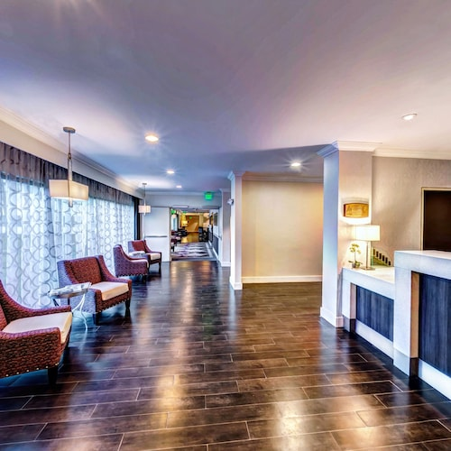 . Holiday Inn Princeton