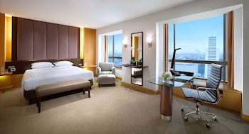 Room, 1 King Bed (Club Access - Not for Repatriation)