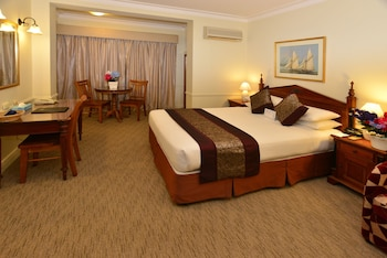 Guestroom at Twin Towers Inn in Greenwich