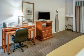 Quality Inn & Suites Grants - Guestroom  - #0