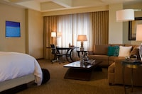 Junior Suite, 1 King Bed with Sofa bed, Corner