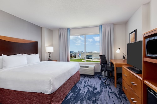 . Fairfield Inn & Suites by Marriott Indianapolis Downtown
