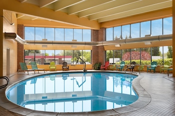 Hotel - Howard Johnson Hotel by Wyndham South Portland