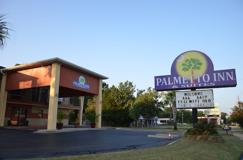 . Palmetto Inn & Suites