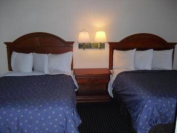 Studio (2 Double Beds)