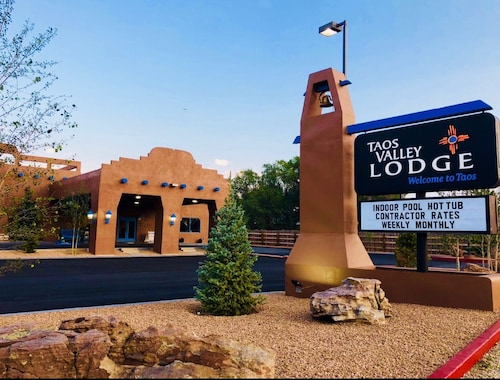. Taos Valley Lodge
