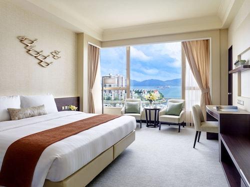 Hong Kong Gold Coast Hotel, Tuen Mun