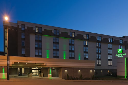 . Holiday Inn Hotel & Suites Mansfield-Conference Center