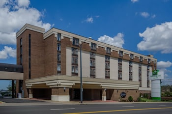 Hotel - Holiday Inn Hotel & Suites Mansfield-Conference Center