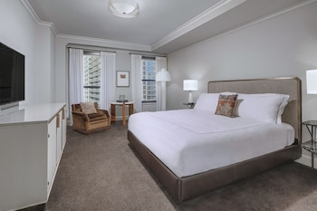Room, 1 King Bed (Delaware View)