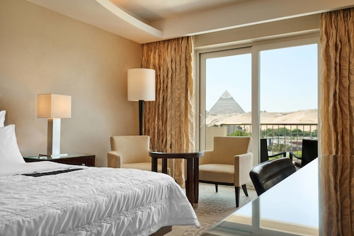 Le Méridien Pyramids Hotel & Spa, Al-Ahram