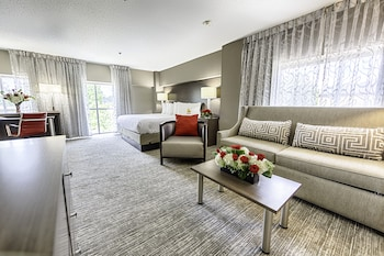 Standard Suite, 1 King Bed, Multiple View