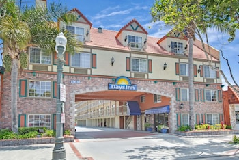 Days Inn Los Angeles/LAX/Redondo and Manhattan Beach