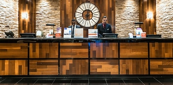 紐瓦克國際機場皇冠假日飯店 Crowne Plaza Newark Airport