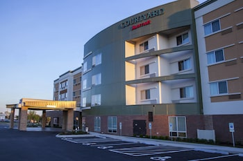 Courtyard by Marriott St. Louis St. Peters photo
