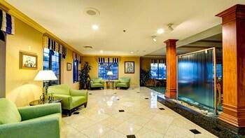 Lobby at Holiday Inn Express San Diego N - Rancho Bernardo in San Diego