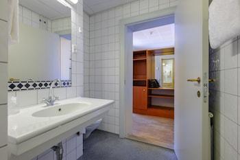 Zleep Hotel Roskilde - Bathroom  - #0
