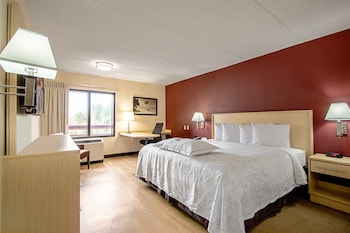 Premium Room, 1 King Bed, Accessible (Smoke Free)