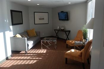 Interior Entrance at Quality Inn Phoenix Airport in Phoenix