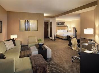 Guestroom at Hyatt Regency Scottsdale Resort and Spa at Gainey Ranch in Scottsdale