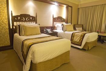 Manila Hotel Guestroom