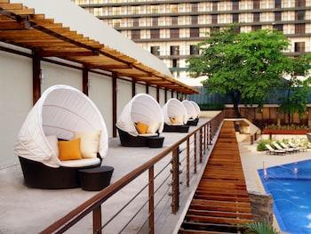 Manila Hotel Garden