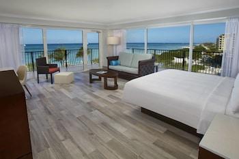 Junior Suite, 1 King Bed, Non Smoking, Oceanfront