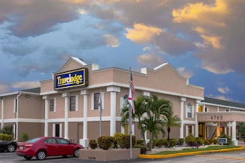 Hotel - Travelodge by Wyndham Fort Myers