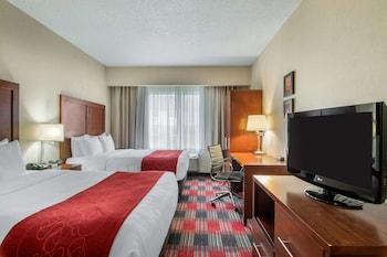 2 Queen Beds, Suite, Nonsmoking, Upgrade