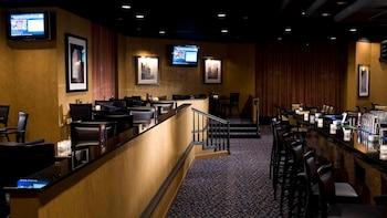 Dining at Crowne Plaza Greenbelt - Washington DC in Greenbelt