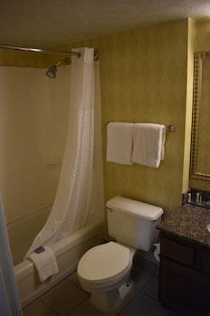 Suite, 2 Queen Beds, Non Smoking (Two Bedroom, Loft)