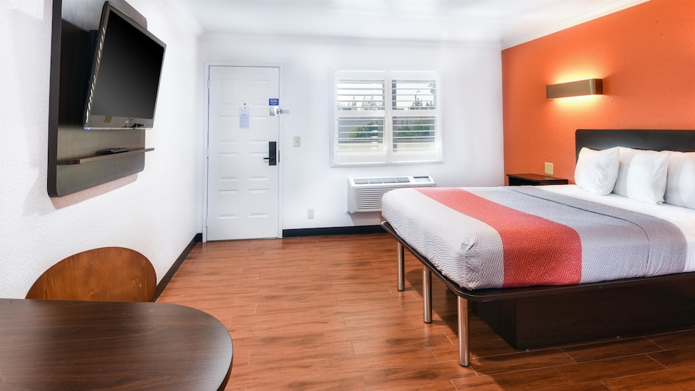 Standard Suite, Multiple Beds, Non Smoking