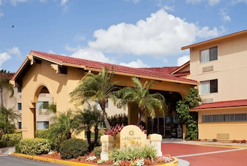 聖彼特 - 清水機場拉昆塔溫德姆套房飯店 La Quinta Inn & Suites by Wyndham St. Pete-Clearwater Airpt