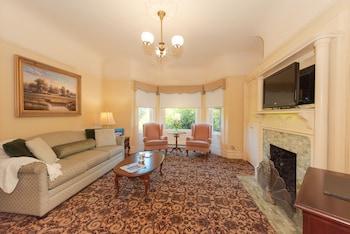 Suite, Multiple Bedrooms