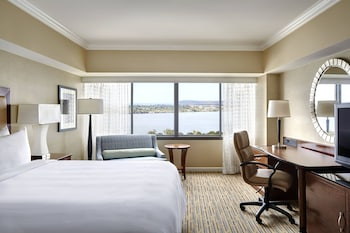 Concierge Room, Room, 1 King Bed, Bay View