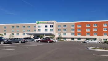 Holiday Inn Express & Suites Tampa East - Ybor City photo