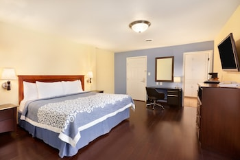 Upgraded, Room, 1 King Bed, Non Smoking