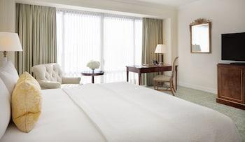 Guestroom at Westgate Hotel in San Diego