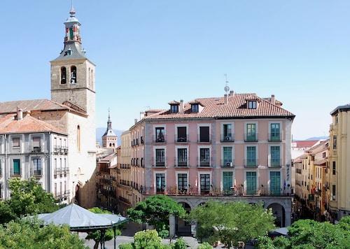 . Hotel Infanta Isabel