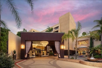Hotel - Avenue of the Arts Costa Mesa, a Tribute Portfolio Hotel