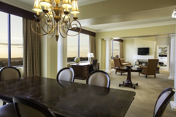 Presidential Suite, 1 King Bed, Non Smoking